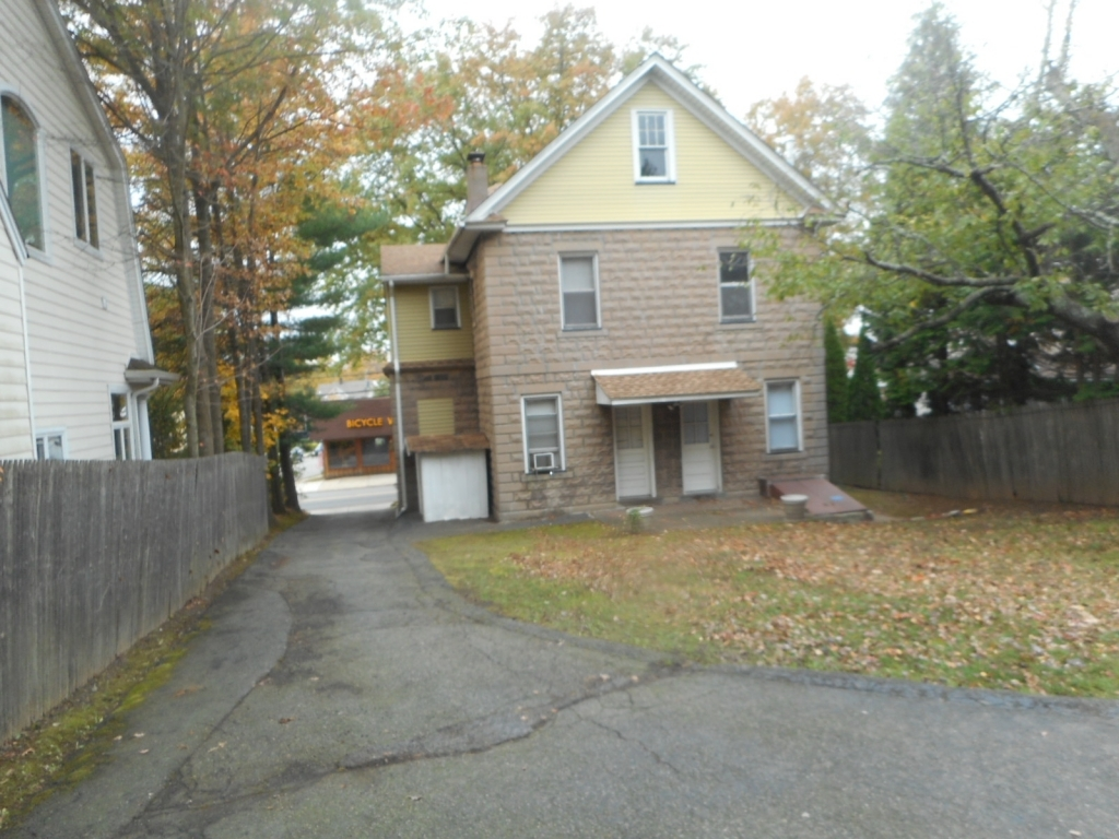 ForSaleByOwner (FSBO) home in Tenafly, NJ at ForSaleByOwnerBuyersGuide.com
