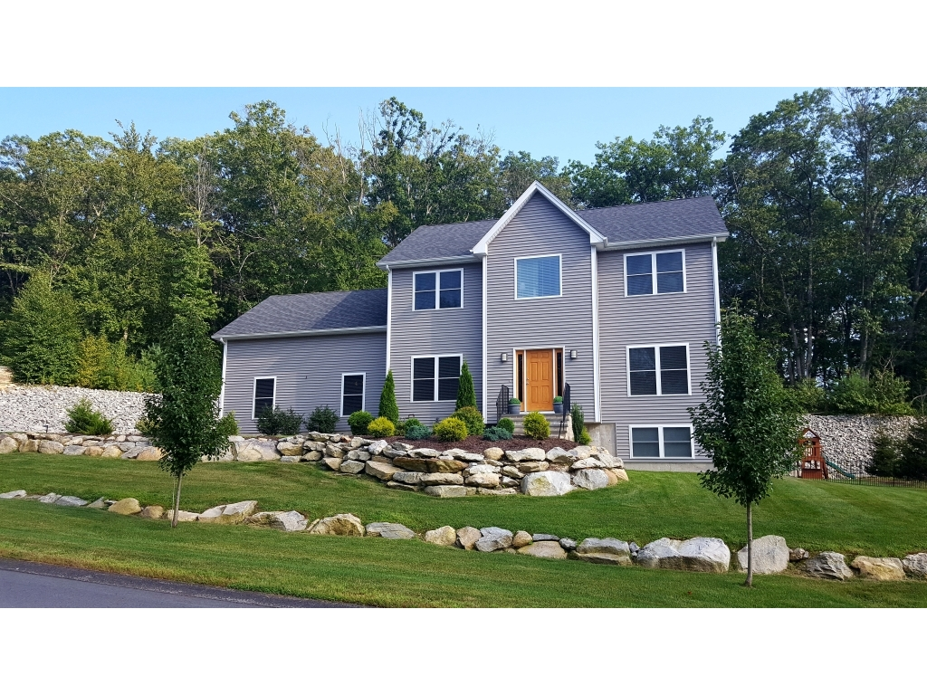 For Sale By Owner home, FSBO real estate sold by owners in Smithfield, Rhode Island (RI) at ForSaleByOwnerBuyersGuide.com