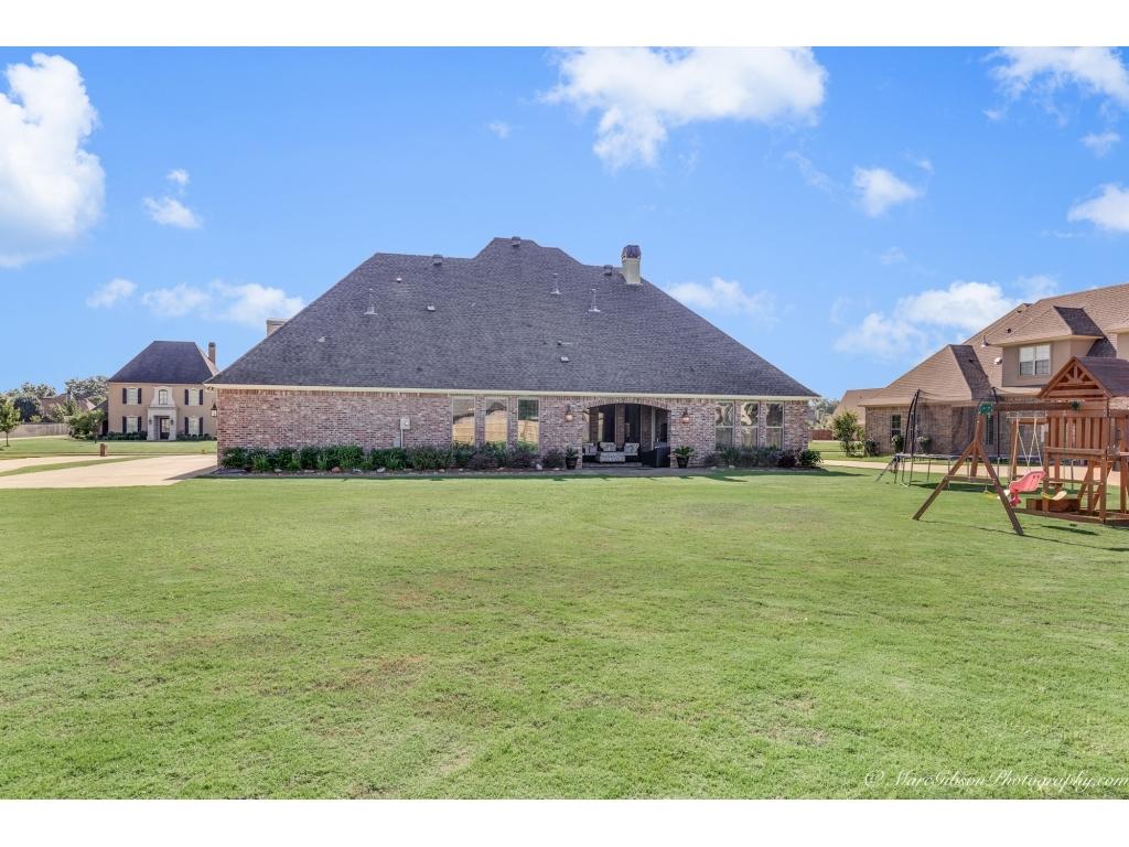339 Tanyard TraceBenton, Louisiana 71006