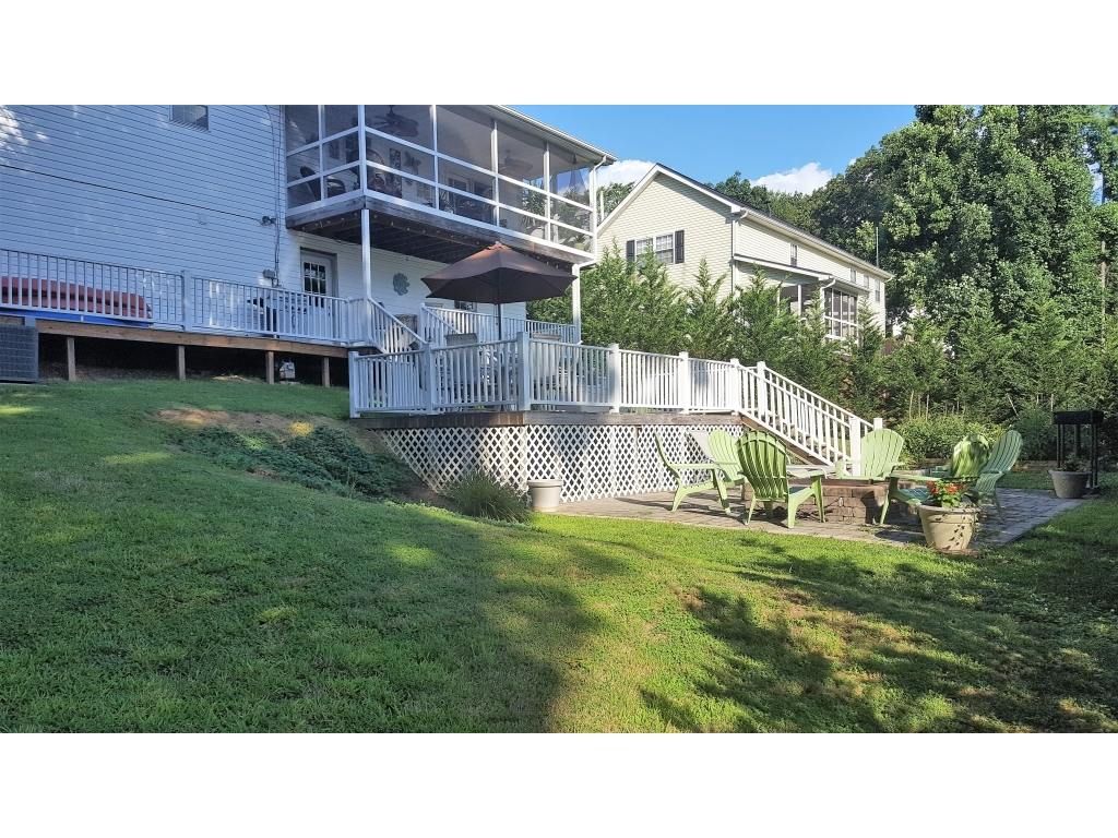 118 Summit Park CircleElkview, West Virginia 25071