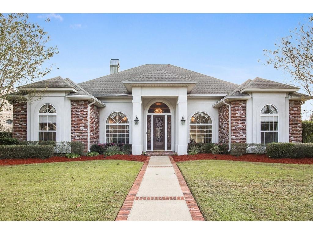 35 Fairway Oaks  DrNew Orleans, Louisiana 70131