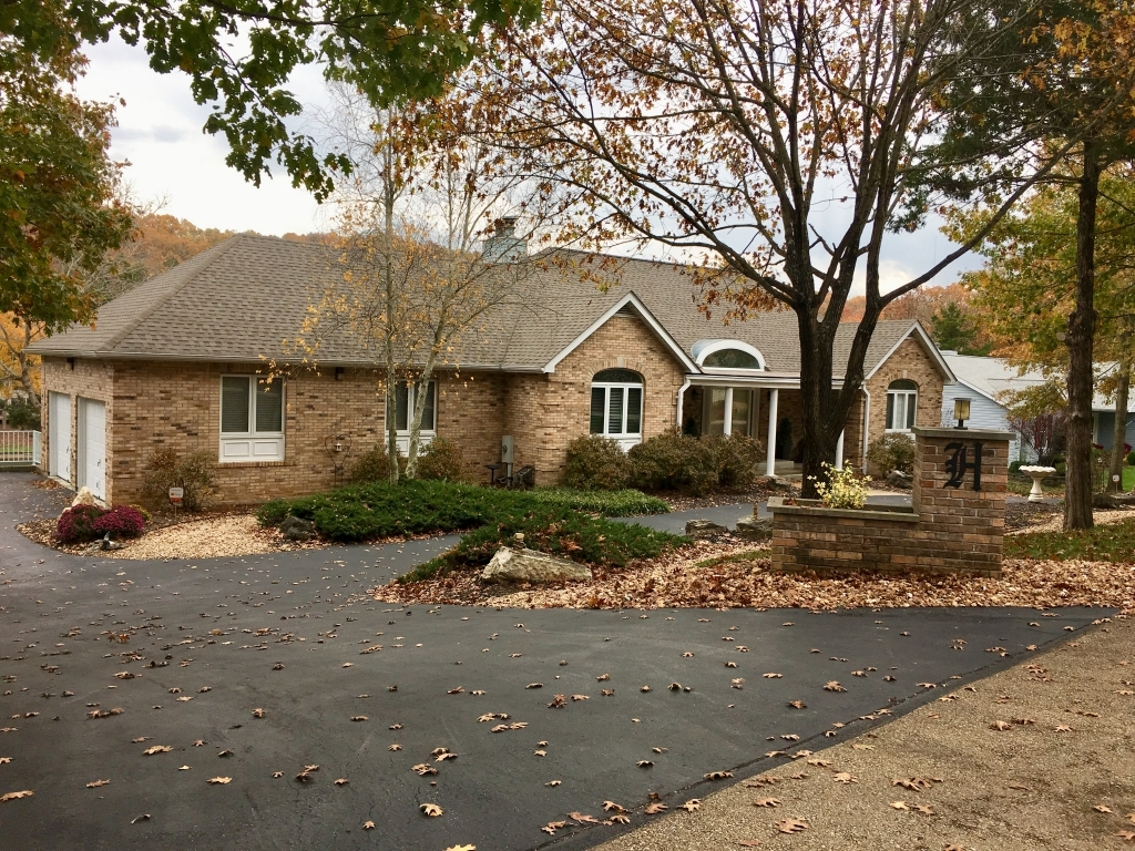 10236 Lake Ridge DrHillsboro, Missouri 63050
