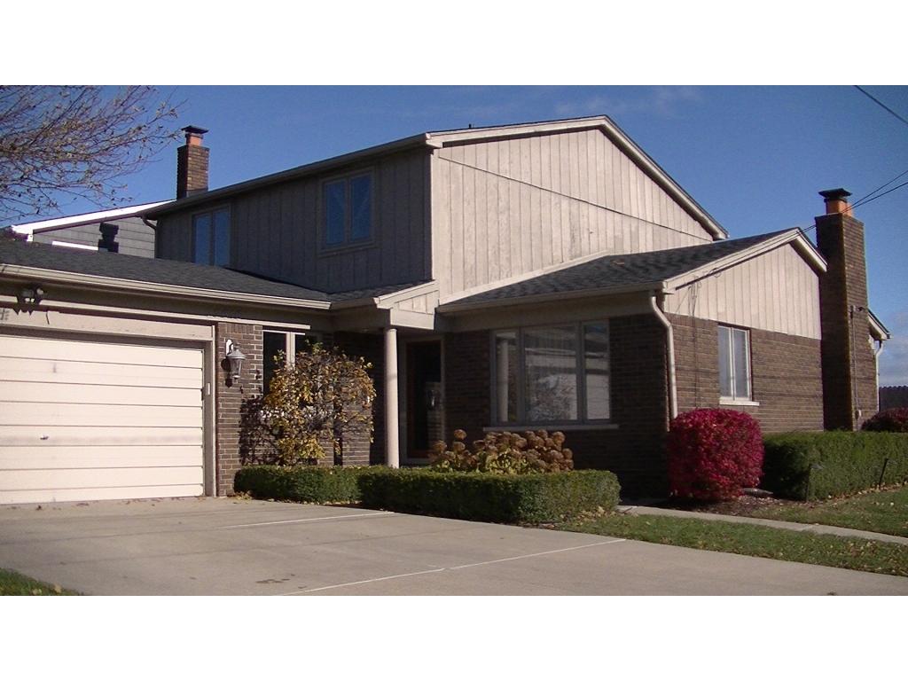 22615 Lange  StSaint Clair Shores, Michigan 48080
