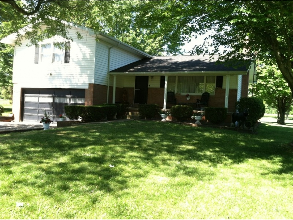 3697 Mahoning RdLake Milton, Ohio 44429