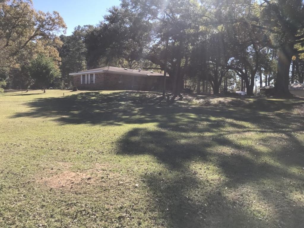 1706 Fairfield RdColfax, Louisiana 71417