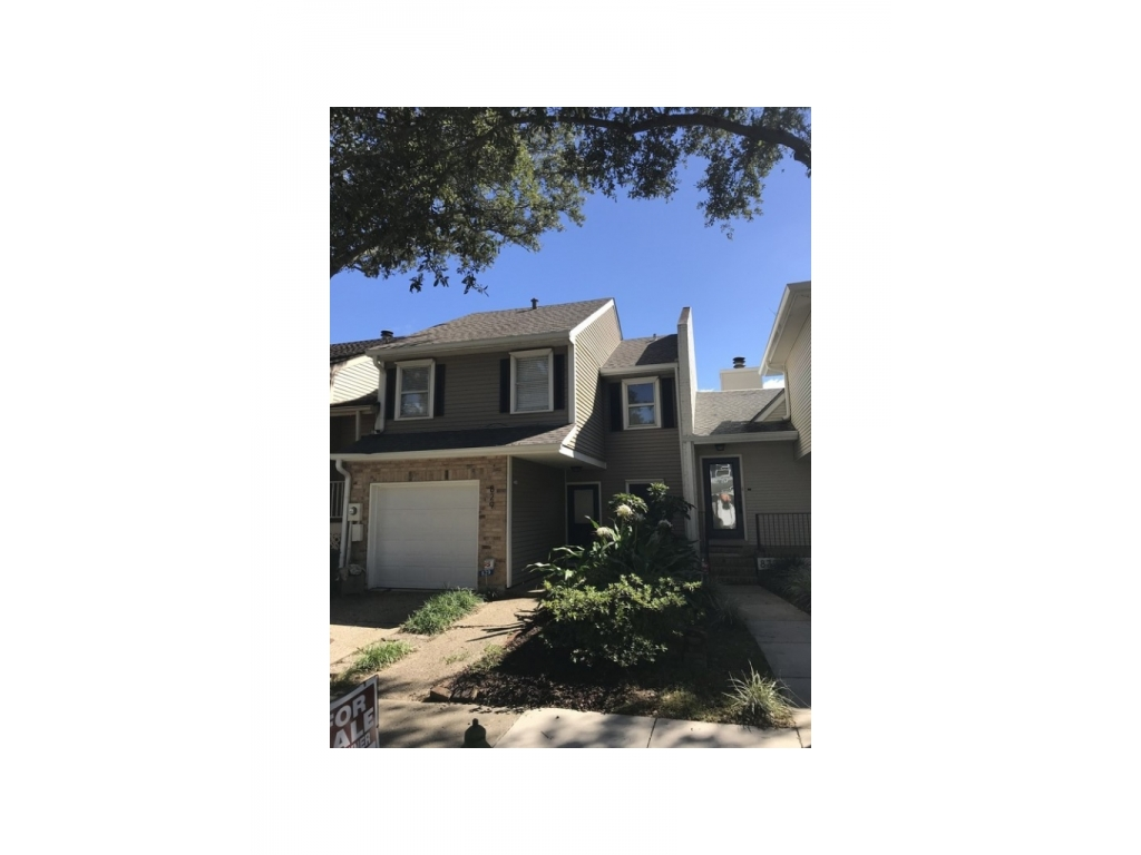 829 Old Metairie  DrMetairie, Louisiana 70001