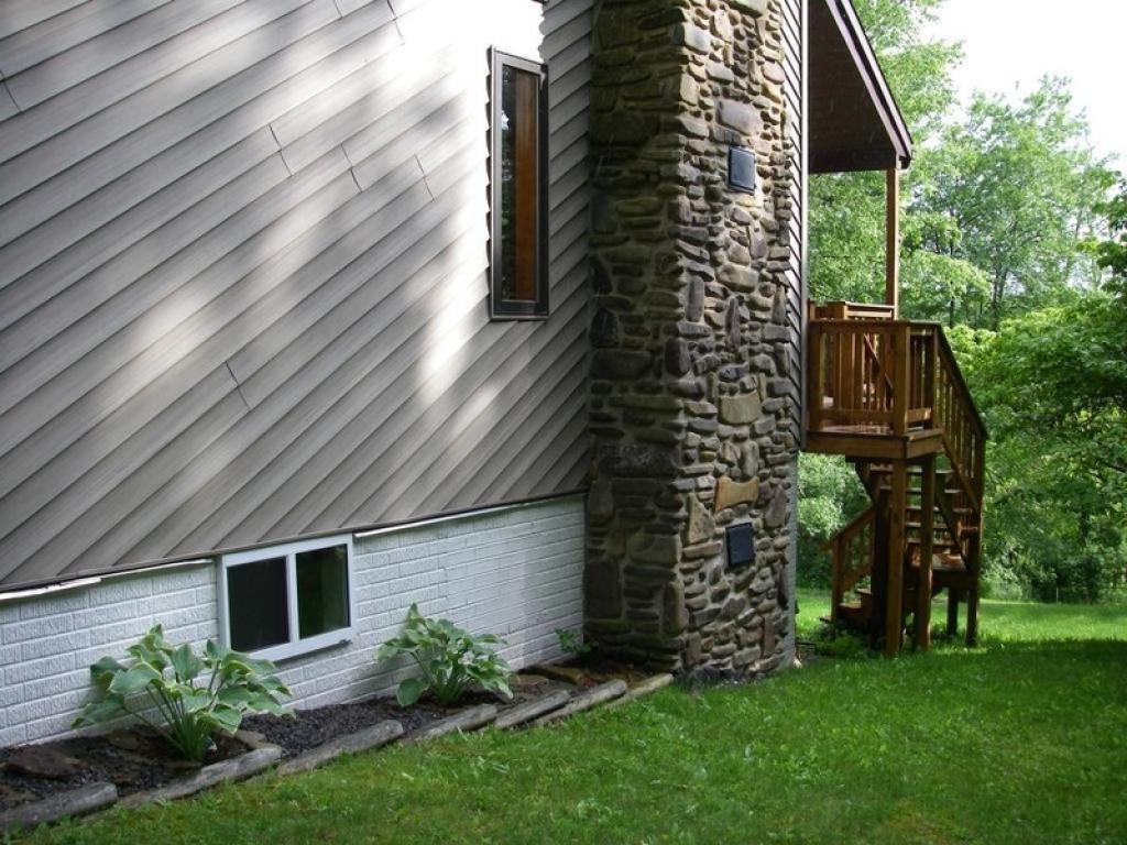 829 N. Fork LoopGreen Bank, West Virginia 24944