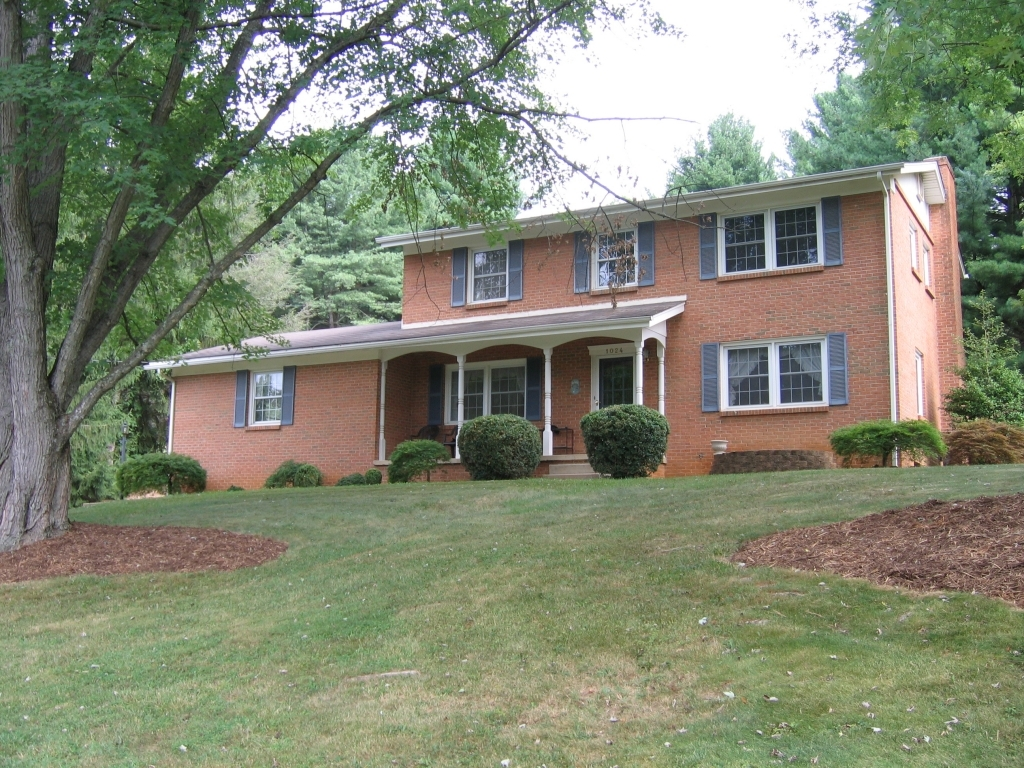 1024 Ridgemont Dr.Staunton, Virginia 24401