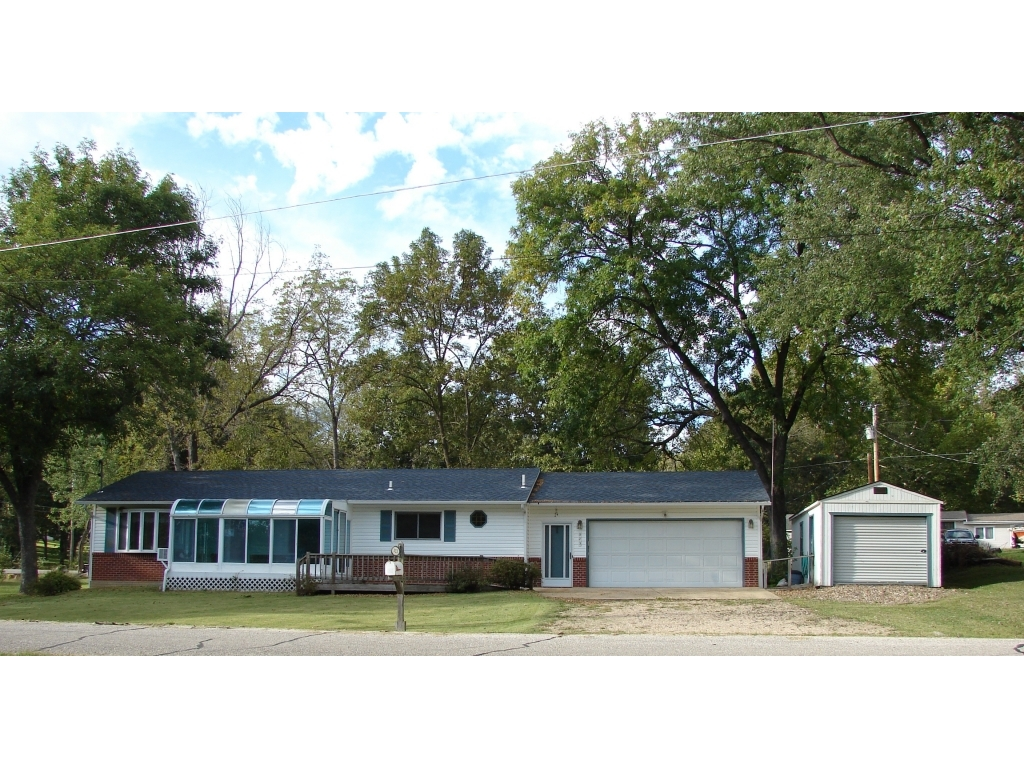 323 Georgene RoadCamdenton, Missouri 65020