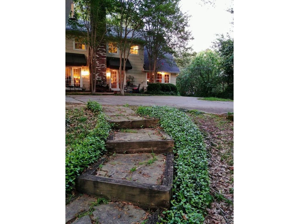 857 AvondaleJackson, Mississippi 39216
