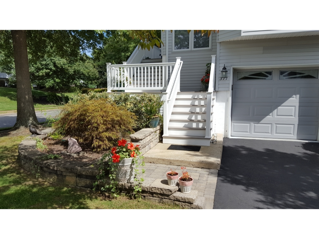 ForSaleByOwner (FSBO) home in Toms River, NJ at ForSaleByOwnerBuyersGuide.com