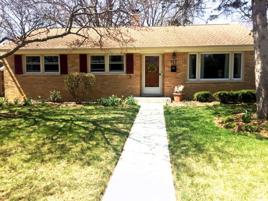 577 Drake  StLibertyville, Illinois 60048